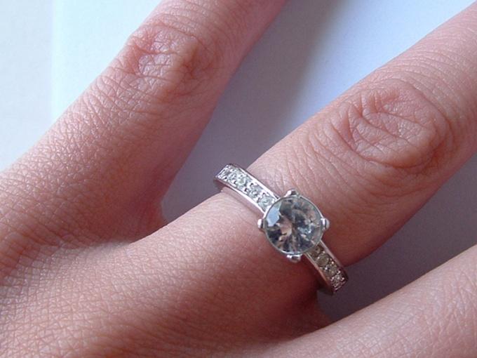 Гарантию подлинности бриллианта может дать только эксперт