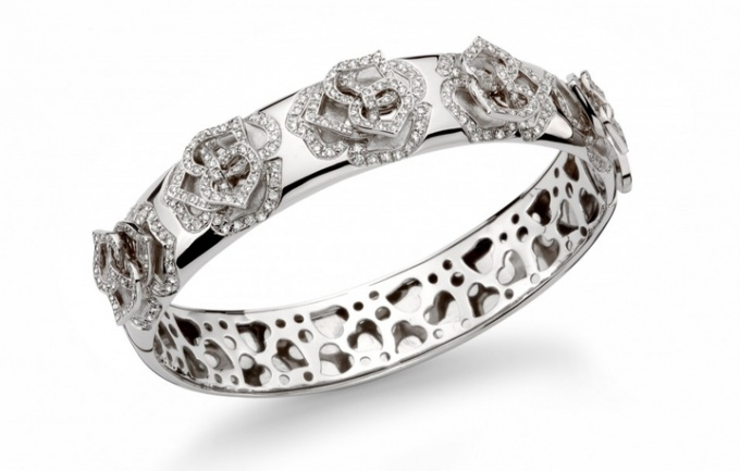How to wear a diamond