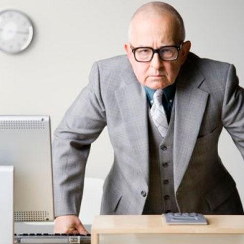 В работе начальника часто ищут изъяны