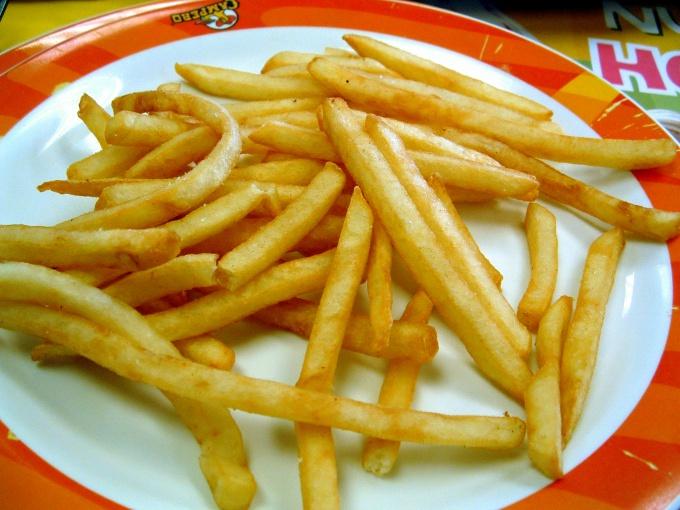 Одно из популярнейших блюд из картофеля - картошка фри.