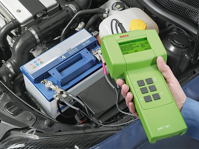 Как определить заряд аккумулятора