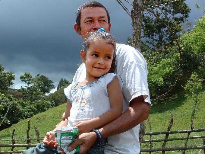 В некоторых случаях ребенку после развода лучше остаться с отцом.