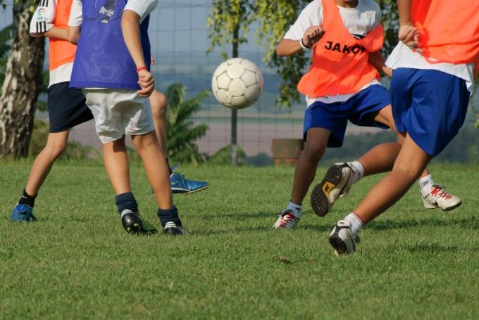Как обводить в футболе