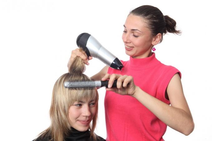 Как сделать правильно <b>укладку</b> <strong>волос</strong>