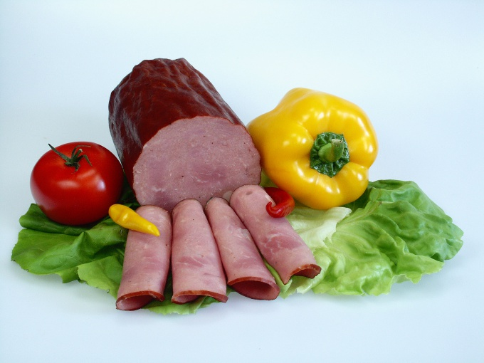 Как приготовить вареную колбасу