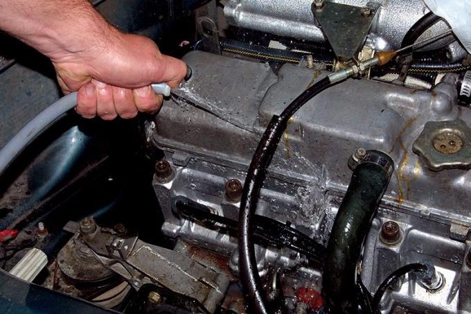 Как отмыть <strong>двигатель</strong>