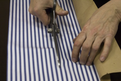 How to learn cut <strong>clothes</strong>