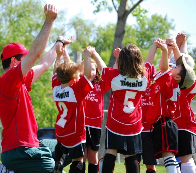 Детский клуб может быть спортивным или творческим
