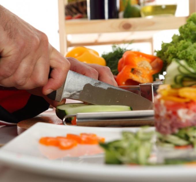 Украшать блюда - искусство