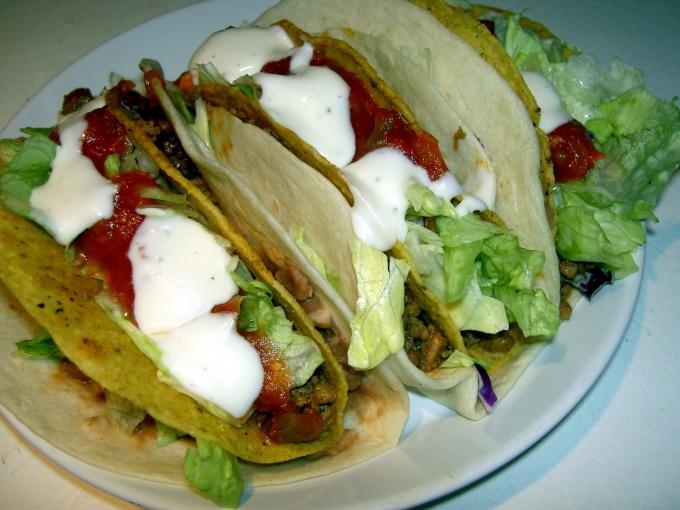 В Мексике тортилью используют как съедобные тарелки