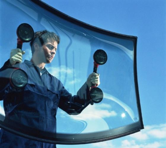 Как приклеить лобовое стекло