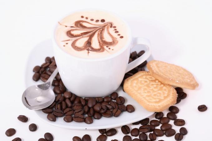 Искусство рисования на кофе называется латте-арт