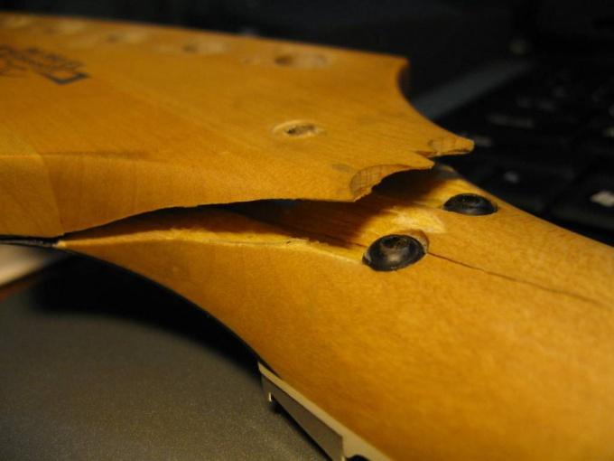Как отремонтировать <strong>гитару</strong>