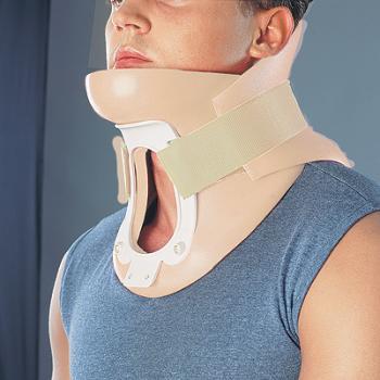 Фиксирующий воротник, применяемый  для лечения шейного отдела позвоночника