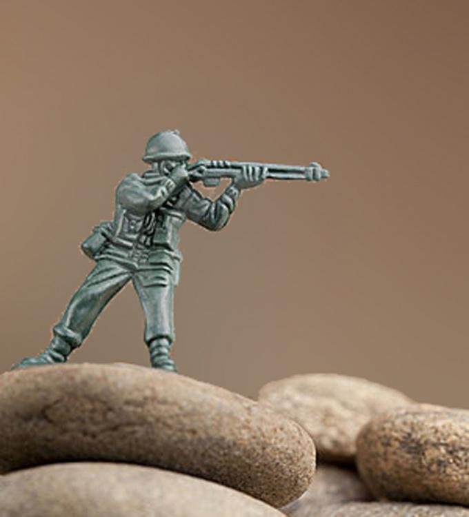 До сих пор солдатиков отливают по старинной технологии