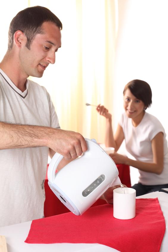 Как очистить электрический чайник от накипи