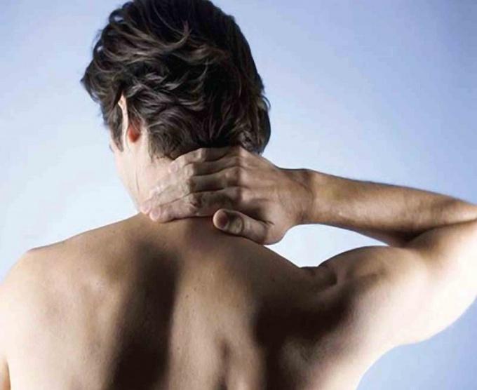 Как убрать шишку на шее