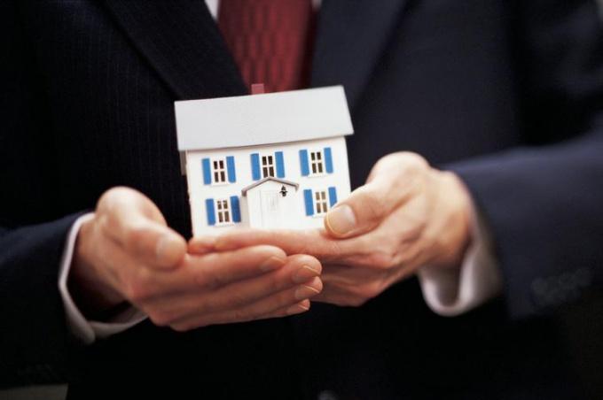 Как приватизировать квартиру, если прописан один человек