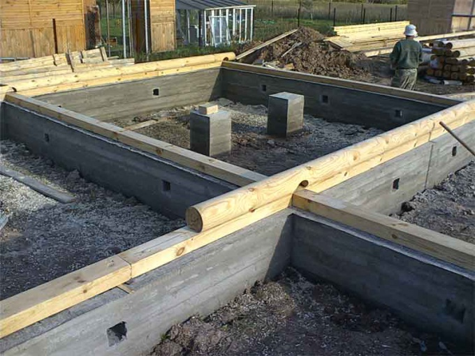 Как подвести фундамент под дом