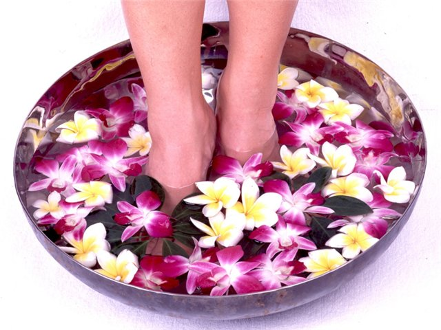 How to treat foot odor