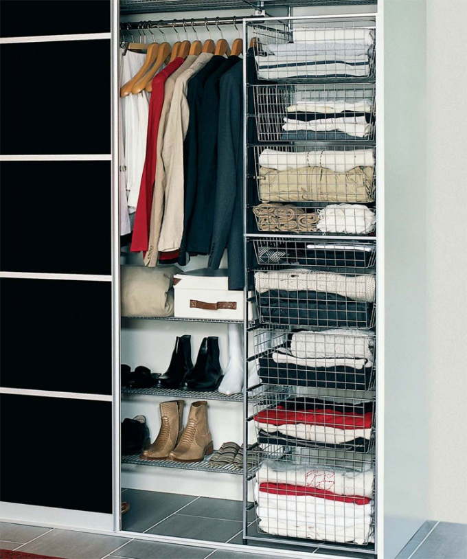 How to unpack in the closet