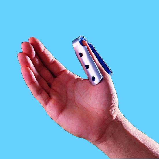 How to treat a broken finger