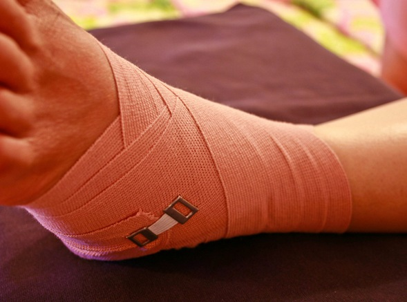 How to heal ligaments in the foot