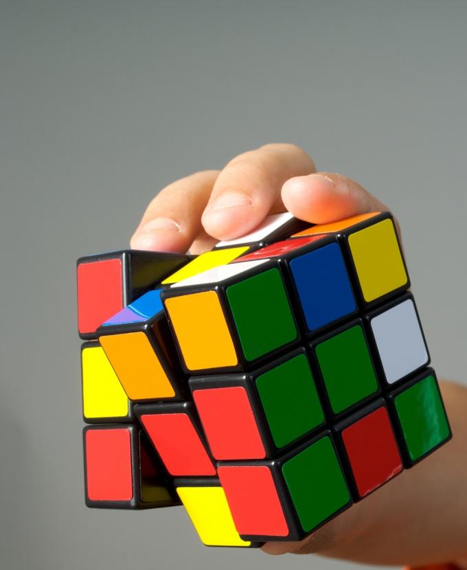 Как собрать кубик Рубика шаг за шагом
