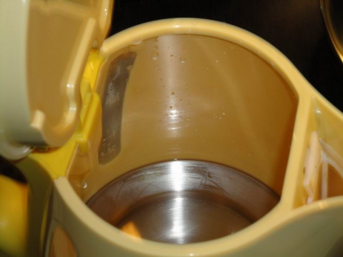 How to clean the kettle from scale