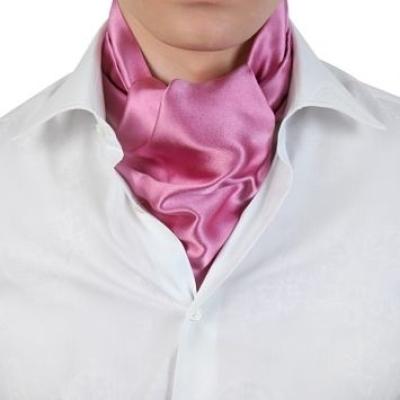 Как носить мужской платок