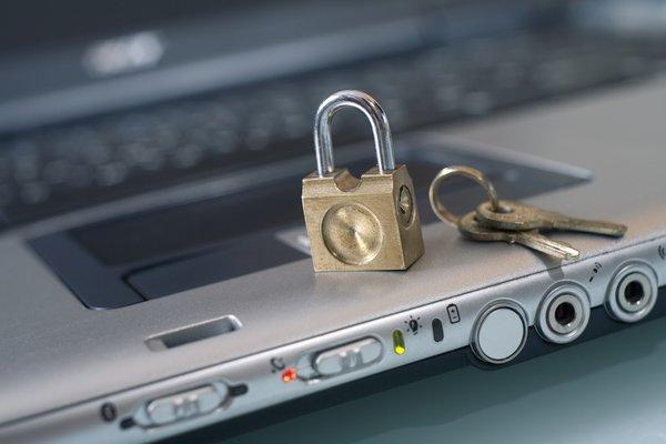 Как поставить на вход компьютера пароль