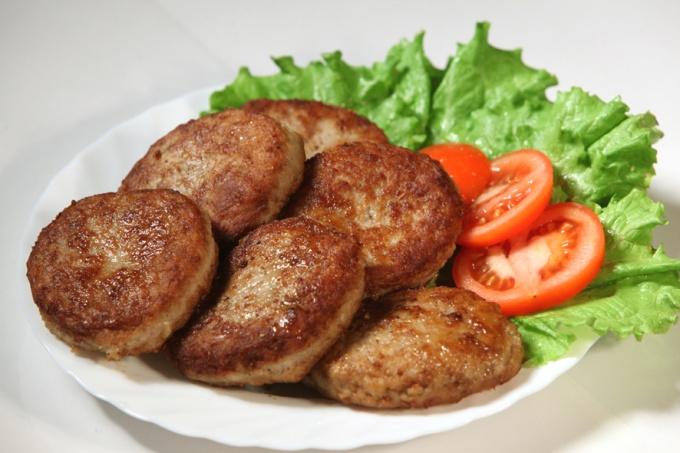 Как приготовить мясные котлеты