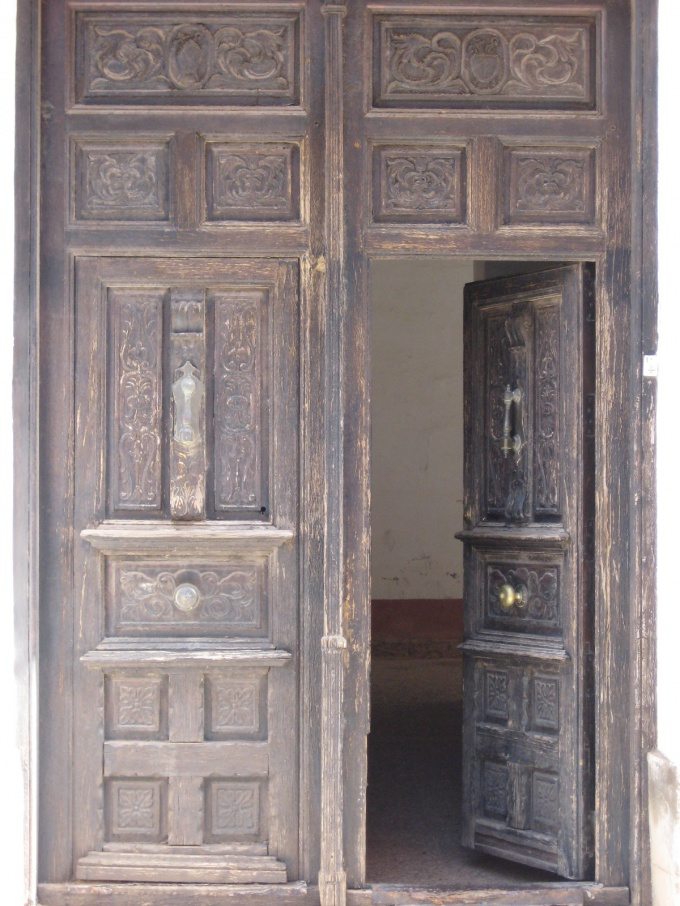 Как убрать скрип дверей