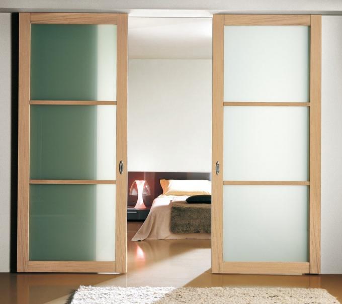 Как собрать раздвижную дверь