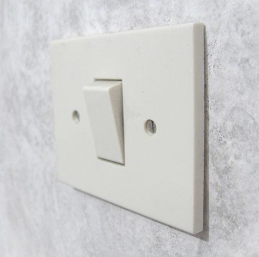 Как снять выключатель света