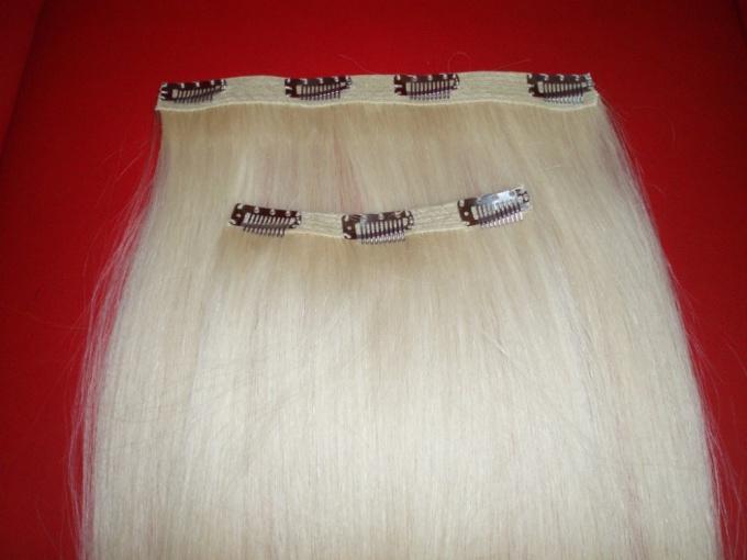 Как крепить пряди из волос