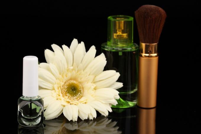 Как открыть магазин косметики и парфюмерии