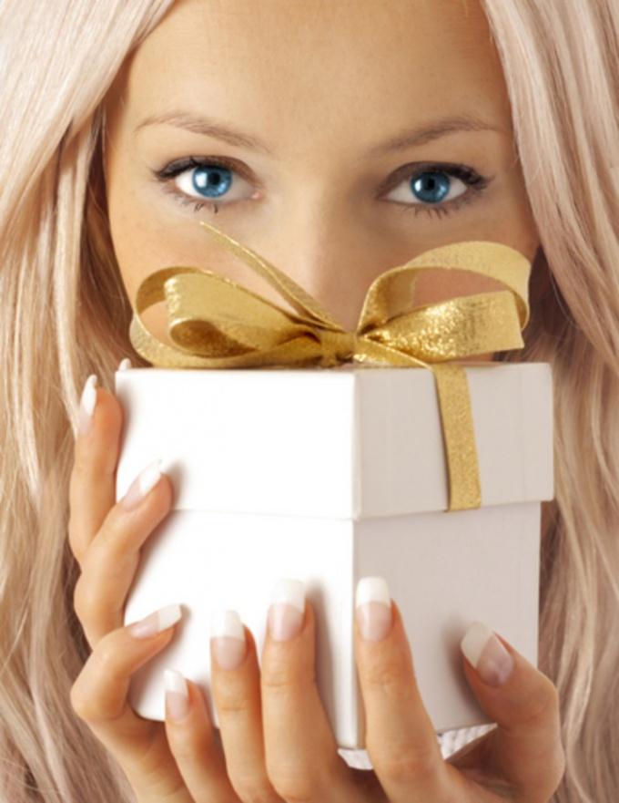 Макияж в подарок на день рождения