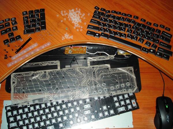 Как вытащить кнопки из клавиатуры