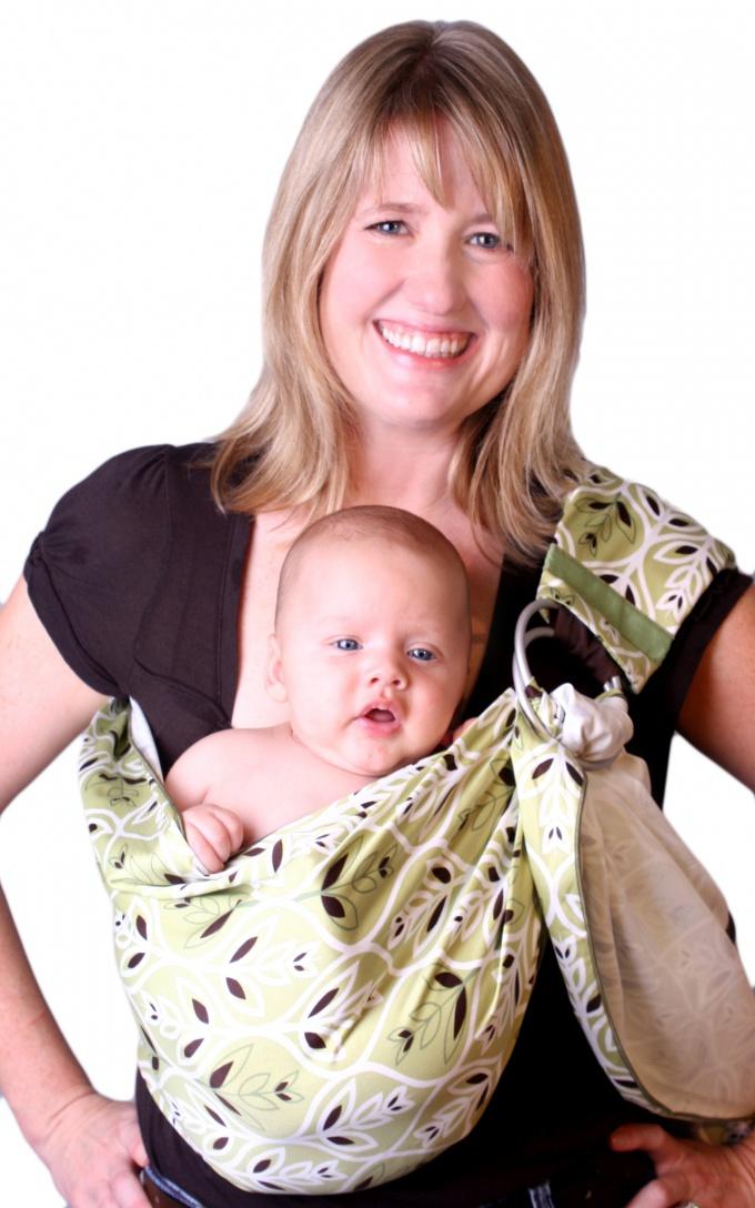 Как носить малыша