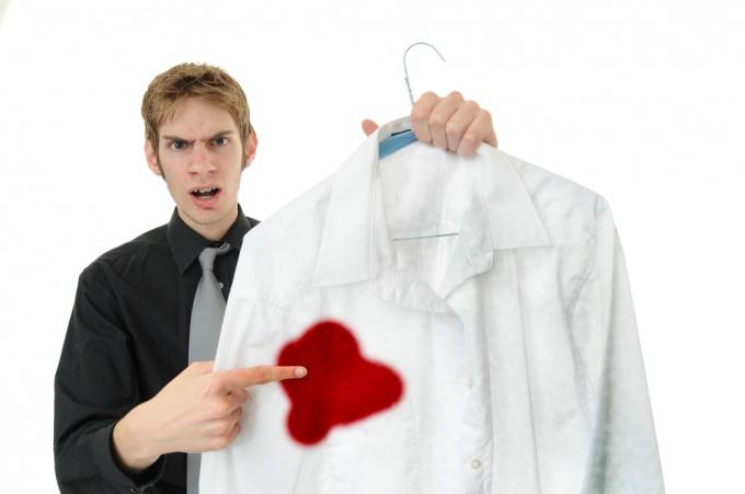 Как отстирать пятнышка крови
