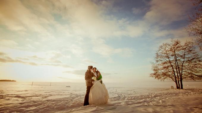 Как фотографировать свадьбы зимой