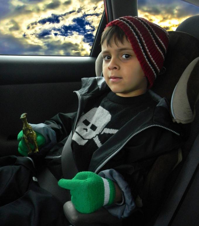 Как установить кресло в машине