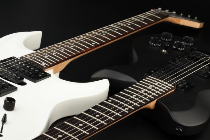 Как сыграть мелодию на гитаре