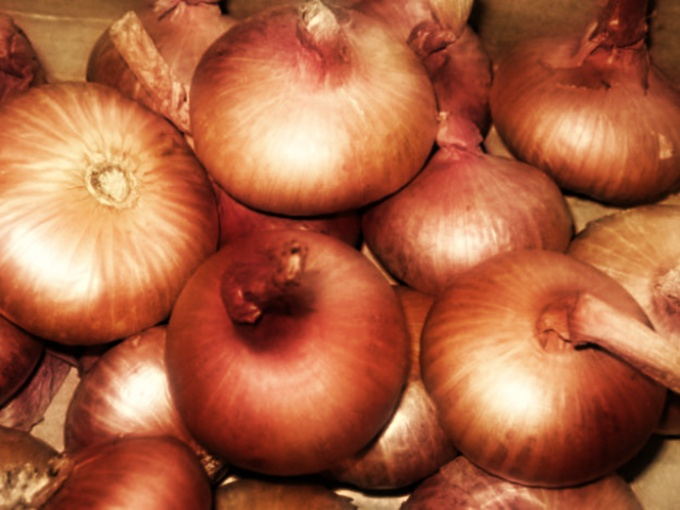 How to kill the smell of onions