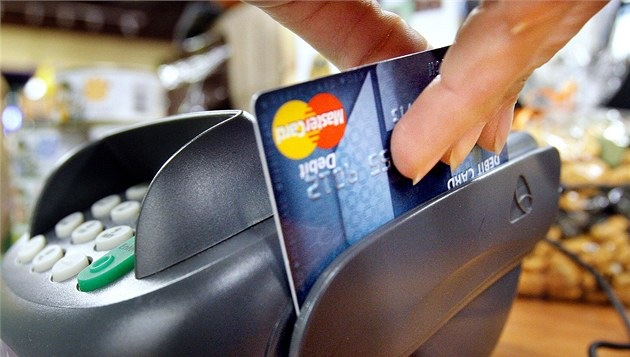 How to pay using a credit card