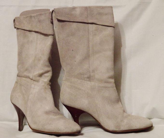 Как чистить ясную замшевую обувь