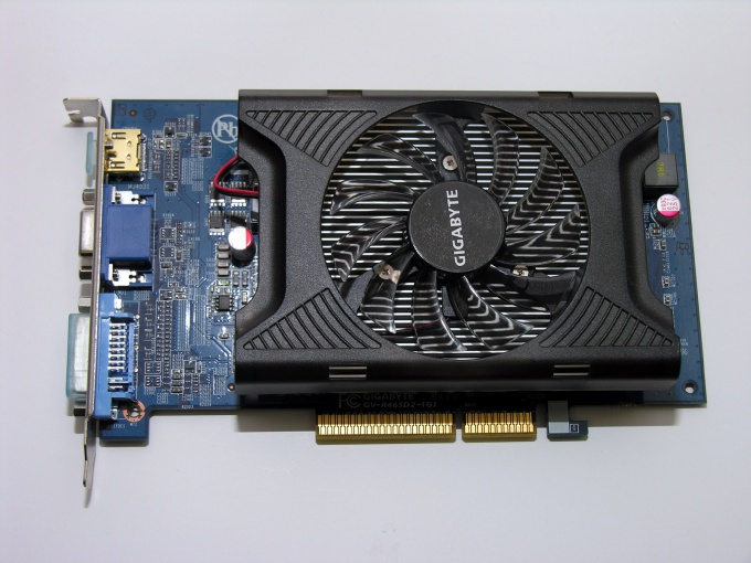 How to increase video card memory on a laptop