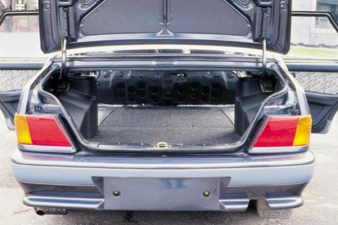 Как отрегулировать замок багажника