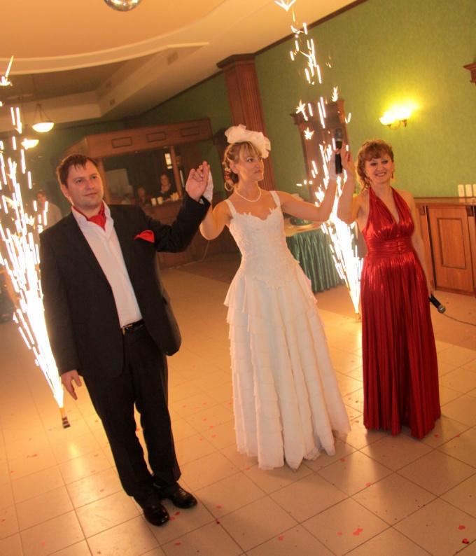 Как поздравить молодых на свадьбе